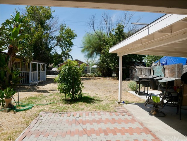Closed | 326 E C Street Colton, CA 92324 11
