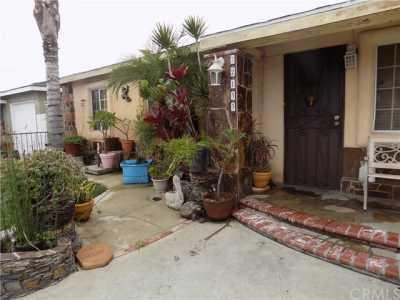 Closed | 22133 Grace Avenue Carson, CA 90745 2