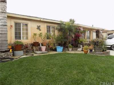 Closed | 22133 Grace Avenue Carson, CA 90745 3