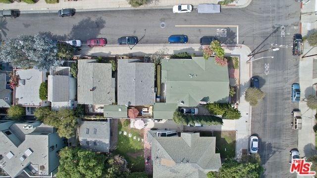 Active | 2602 3RD Street Santa Monica, CA 90405 32