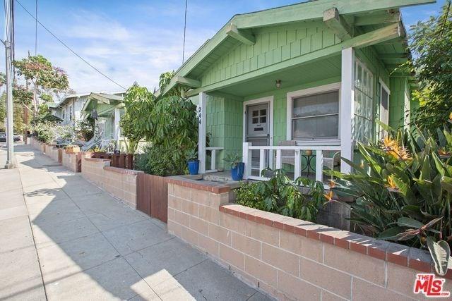 Active | 2602 3RD Street Santa Monica, CA 90405 6