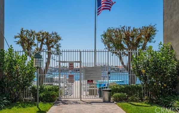 Closed | 16422 Harbour Lane #17 Huntington Beach, CA 92649 33