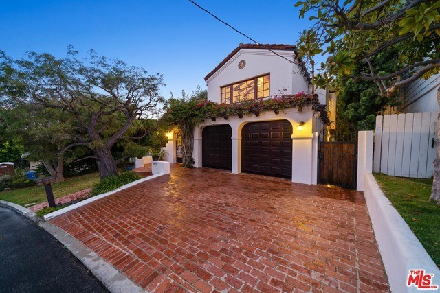 Closed | 1213 RIMMER  Avenue Pacific Palisades, CA 90272 2