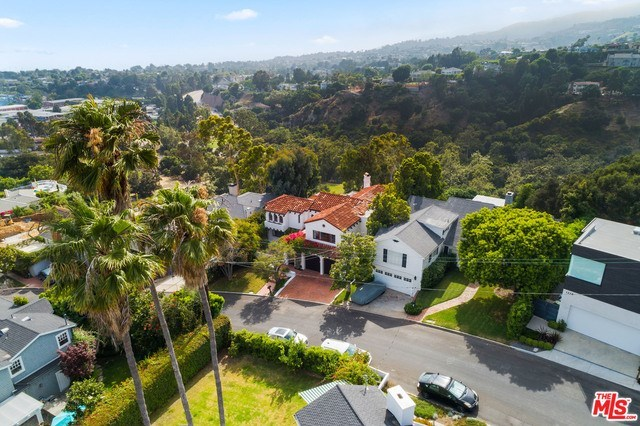 Closed | 1213 RIMMER  Avenue Pacific Palisades, CA 90272 4