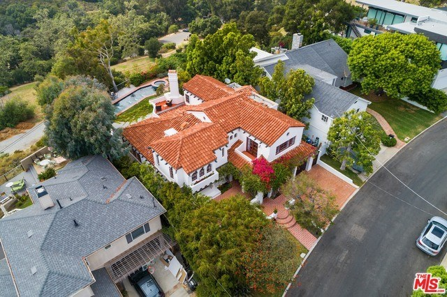Closed | 1213 RIMMER  Avenue Pacific Palisades, CA 90272 5