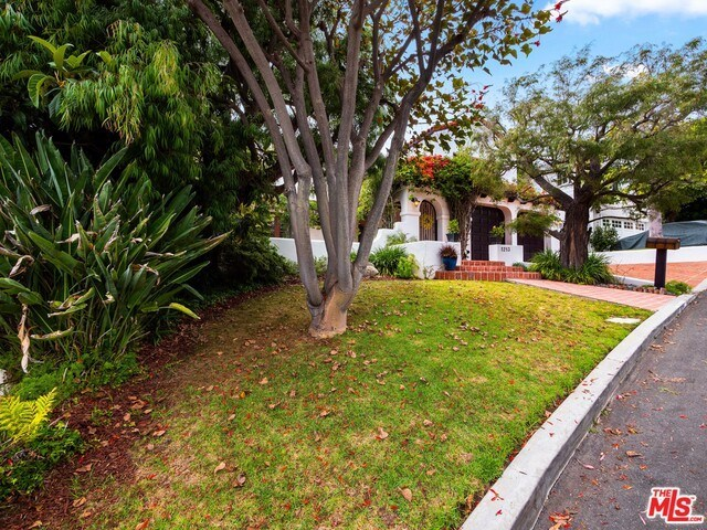 Closed | 1213 RIMMER  Avenue Pacific Palisades, CA 90272 16