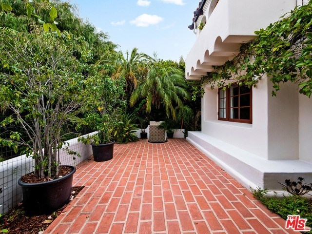 Closed | 1213 RIMMER  Avenue Pacific Palisades, CA 90272 17