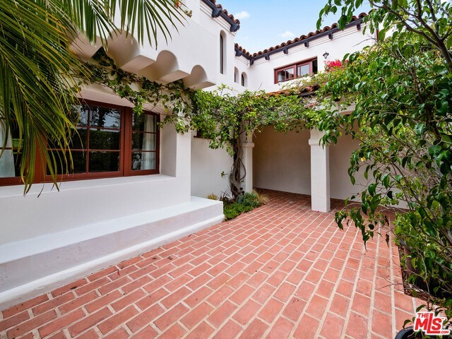 Closed | 1213 RIMMER  Avenue Pacific Palisades, CA 90272 18
