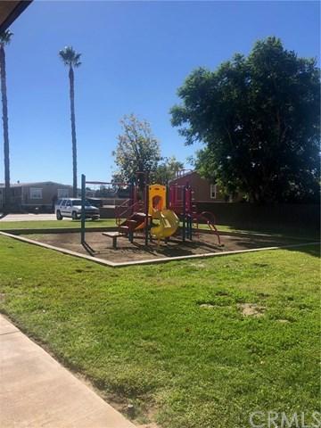 Active | 913 S Grand  Avenue #70 San Jacinto, CA 92582 15