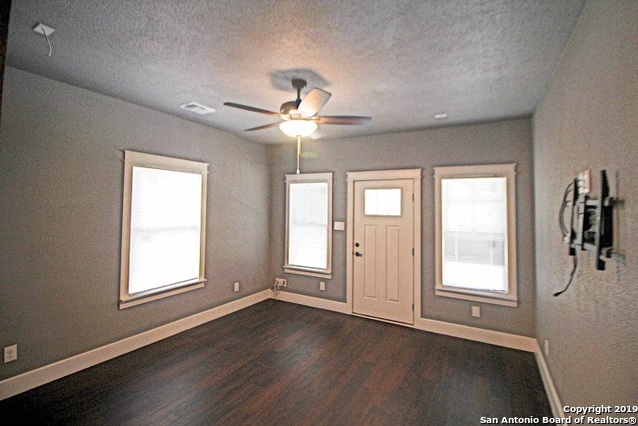 Property for Rent | 214 Lucas St  San Antonio, TX 78209 3