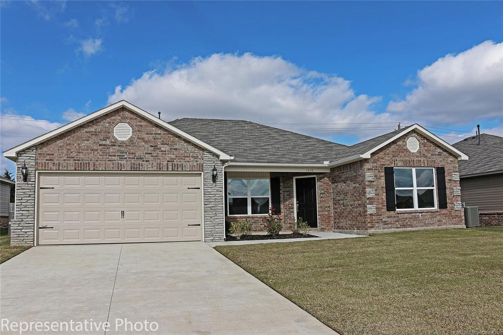 Active | 2011 Orchid Lane Claremore, OK 74019 2