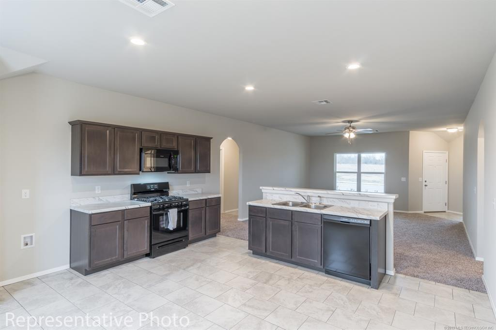 Active | 2011 Orchid Lane Claremore, OK 74019 4