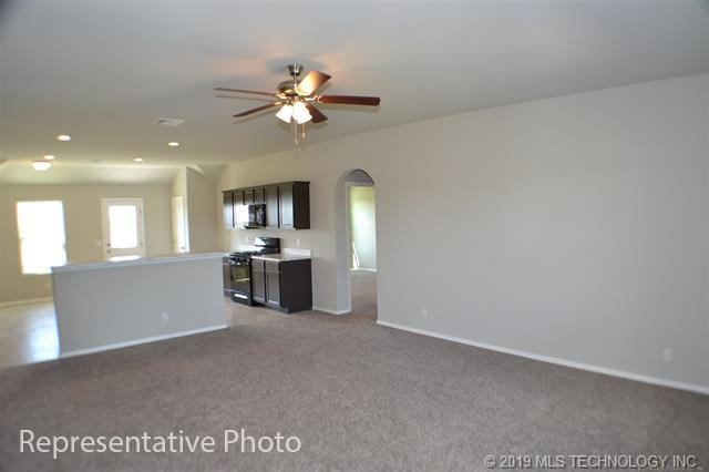 Active | 2011 Orchid Lane Claremore, OK 74019 9