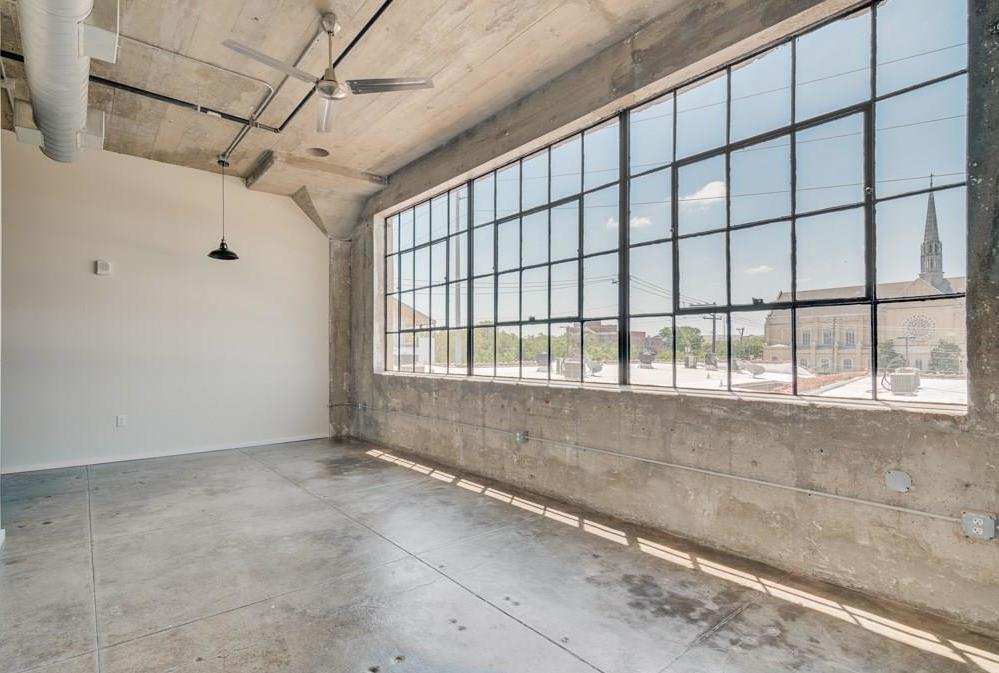 Active | 120 St. Louis Avenue #309 Fort Worth, Texas 76104 1