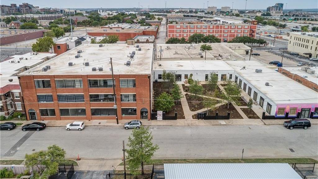 Active | 120 St. Louis Avenue #309 Fort Worth, Texas 76104 9