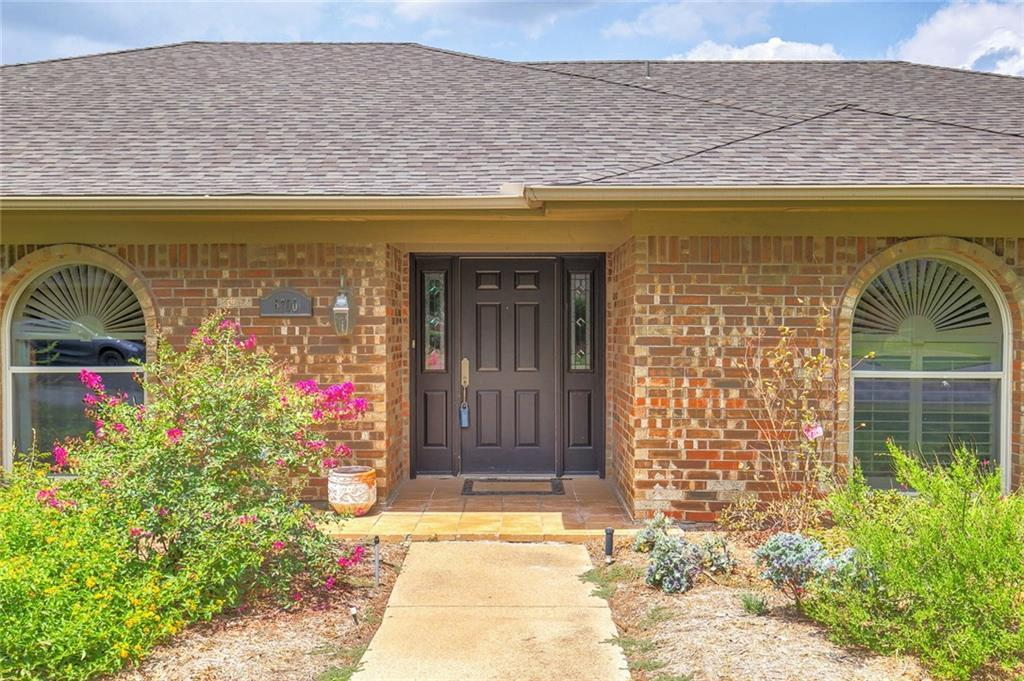 Sold Property | 6700 Meadows West Drive Fort Worth, TX 76132 4