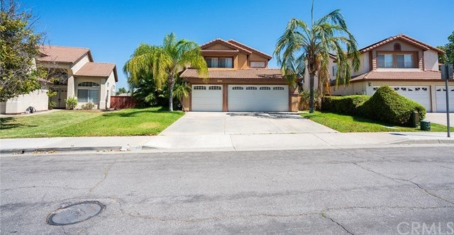 Closed | 25840 Calle Agua  Moreno Valley, CA 92551 4