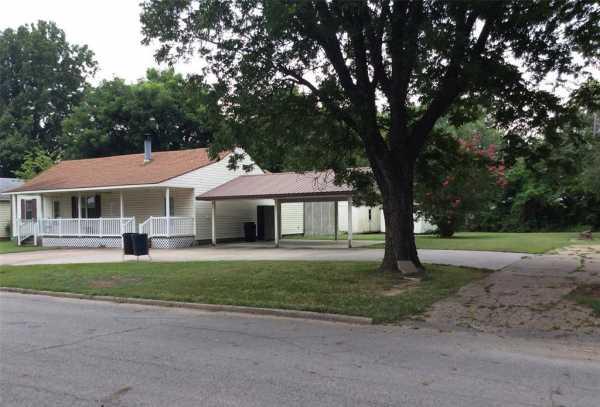 Active | 304 N Hogan Street Pryor, Oklahoma 74361 1