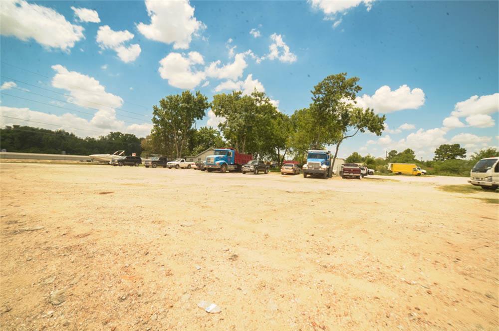 Active | 16738 Alief Clodine Road Houston, TX 77082 3