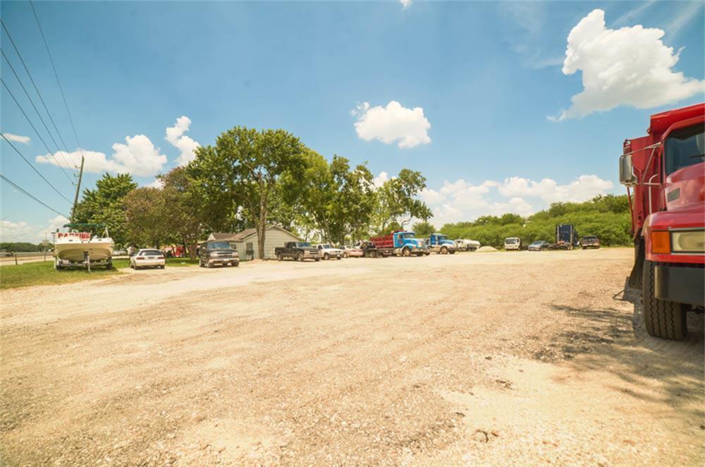 Active | 16738 Alief Clodine Road Houston, TX 77082 8