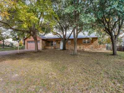 Sold Property | 3825 Marys Creek Drive Benbrook, Texas 76116 3