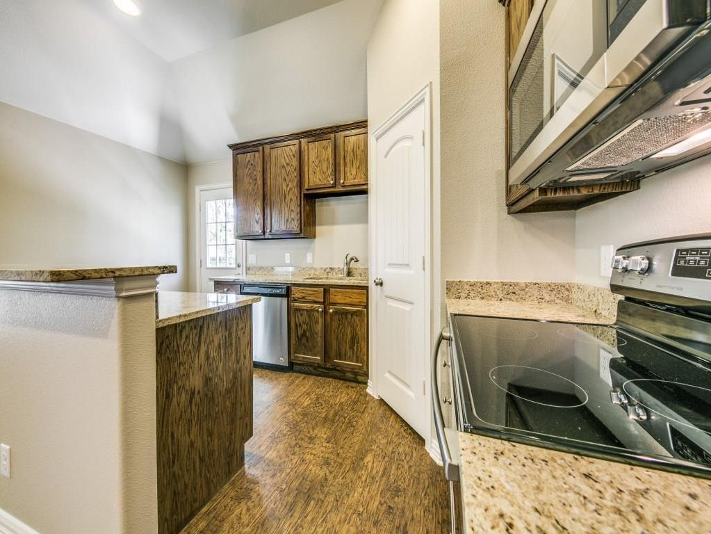 Sold Property | 4016 Meredith Avenue Cockrell Hill, Texas 75211 10