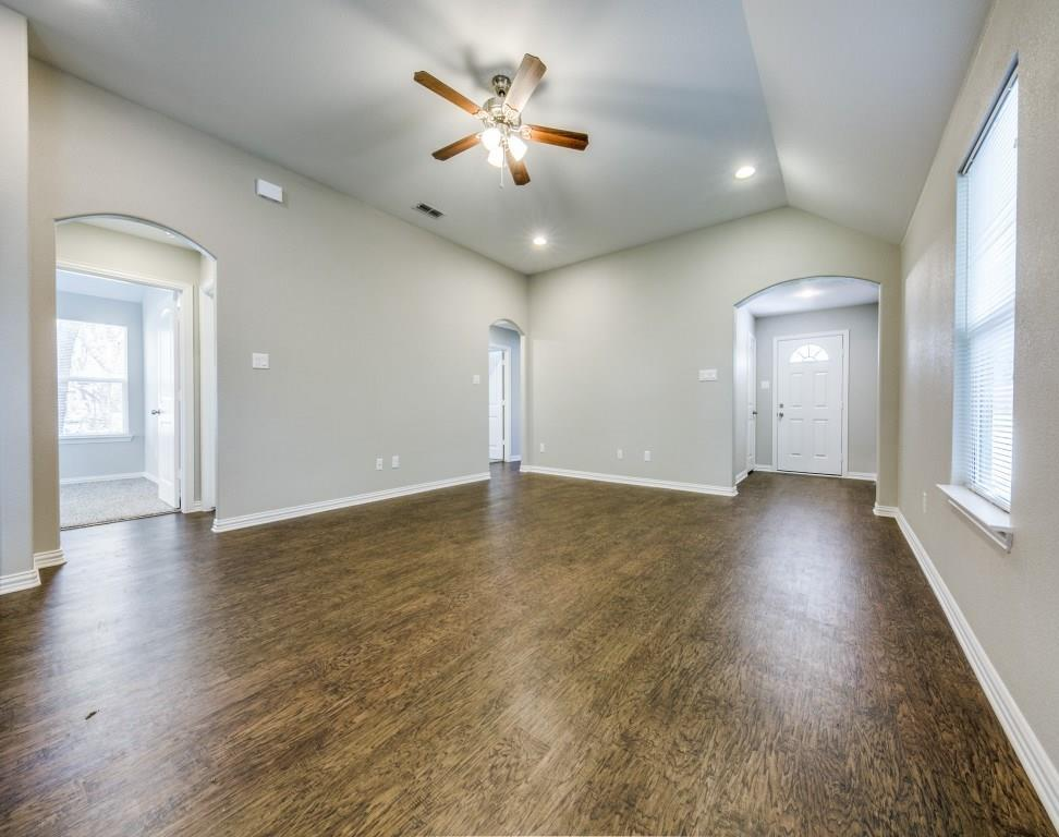 Sold Property | 4016 Meredith Avenue Cockrell Hill, Texas 75211 7