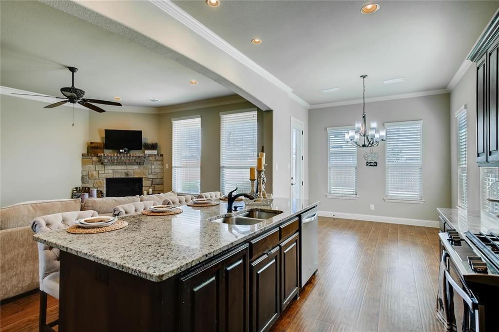 Sold Property | 421 Coral Vine Lane Burleson, TX 76028 7
