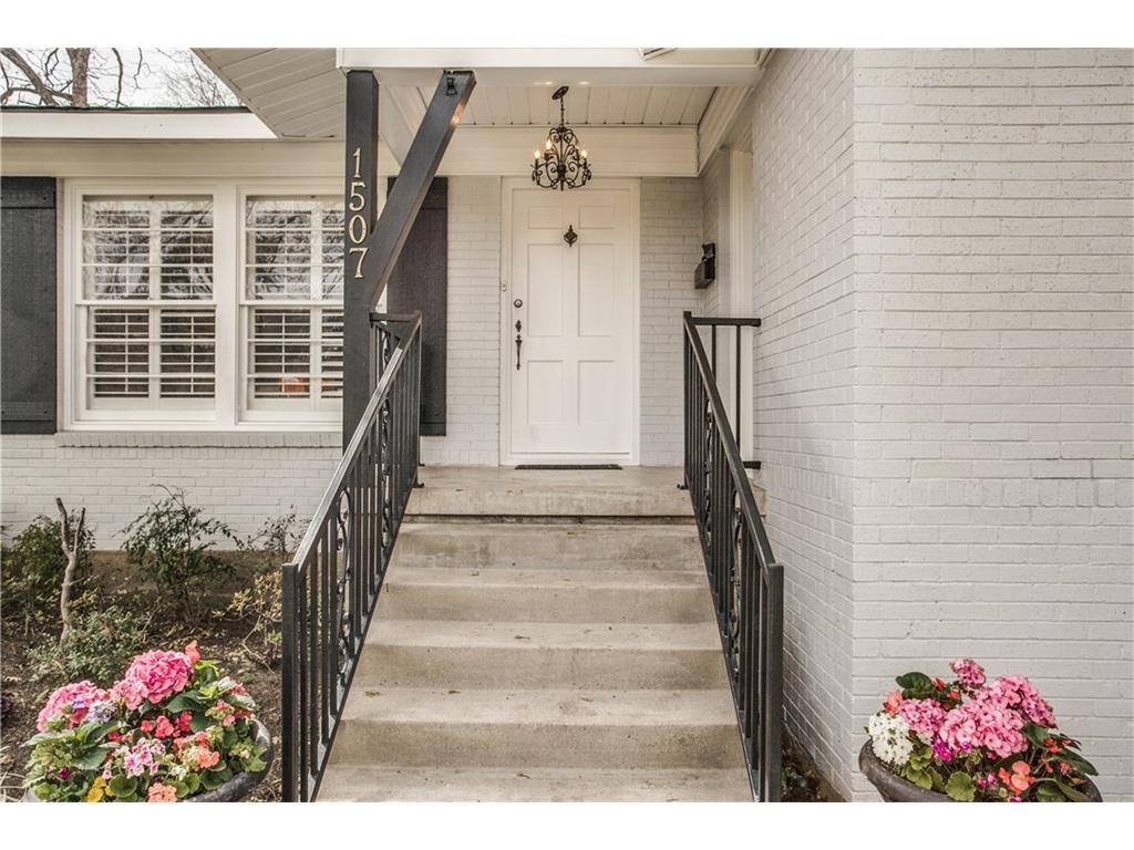Sold Property | 1507 Eastus Drive Dallas, Texas 75208 2