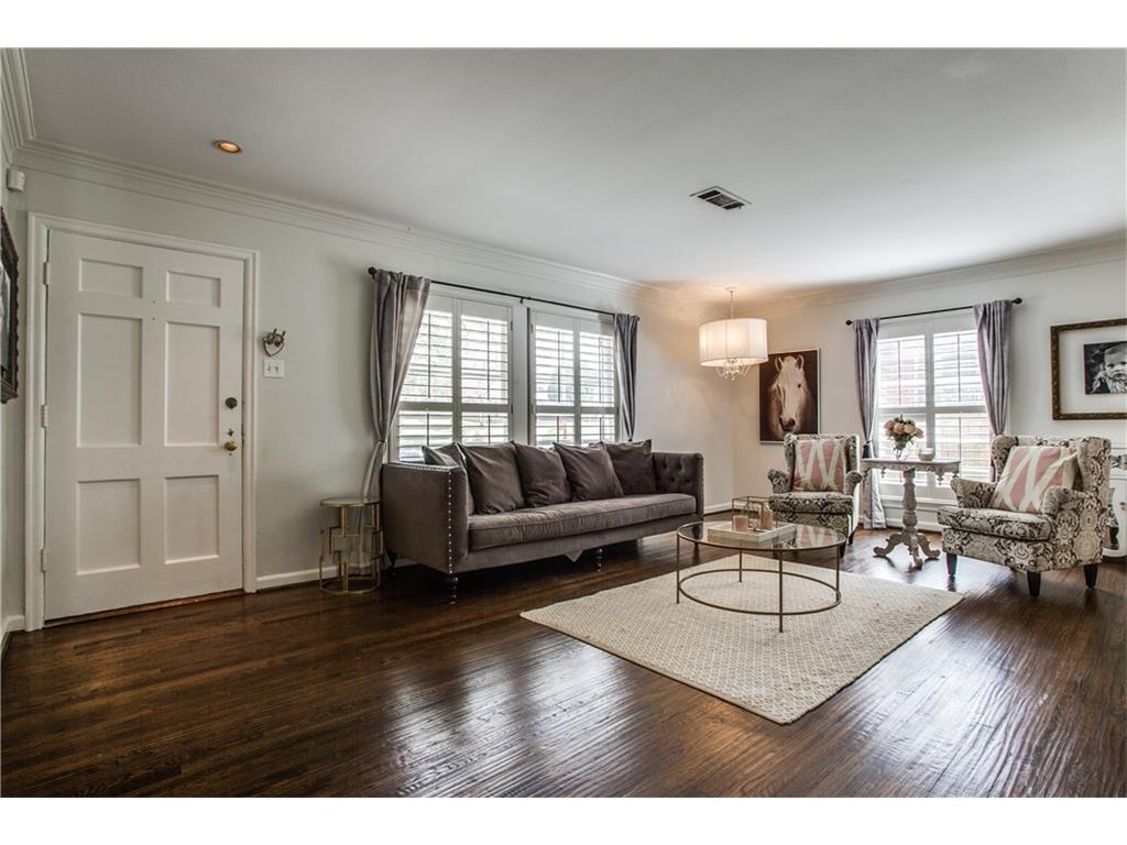 Sold Property | 1507 Eastus Drive Dallas, Texas 75208 4