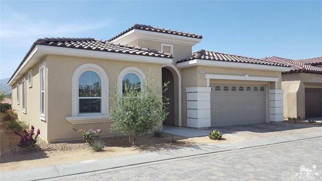 Active | 4417 Via Del Pellegrino  Palm Desert, CA 92260 1