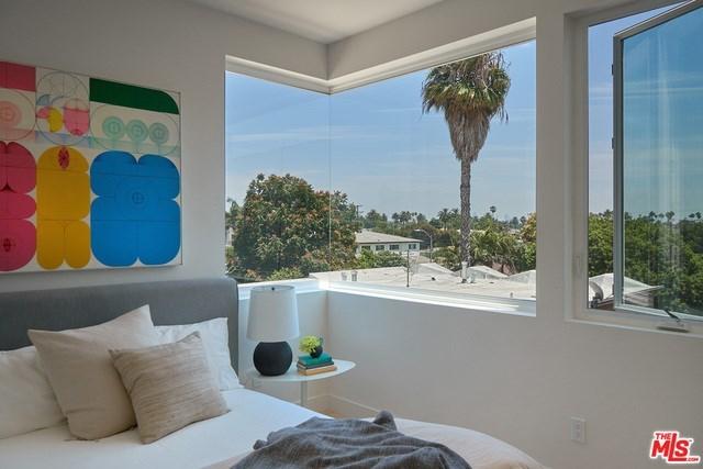 Closed   2925 S Cloverdale Avenue Los Angeles, CA 90016 1