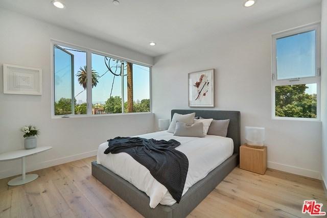 Closed   2925 S Cloverdale Avenue Los Angeles, CA 90016 10