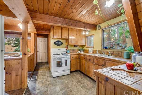 Closed   5331 E Canyon Court Wrightwood, CA 92397 5
