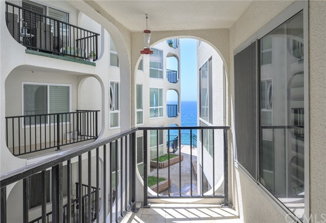 Closed | 565 Esplanade #204 Redondo Beach, CA 90277 4