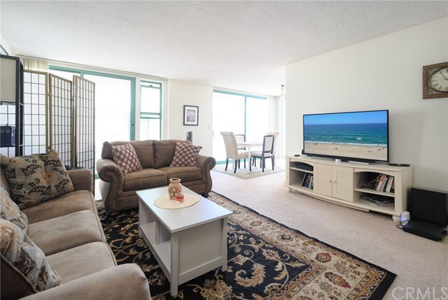 Closed | 201 Calle Miramar   #4 Redondo Beach, CA 90277 4
