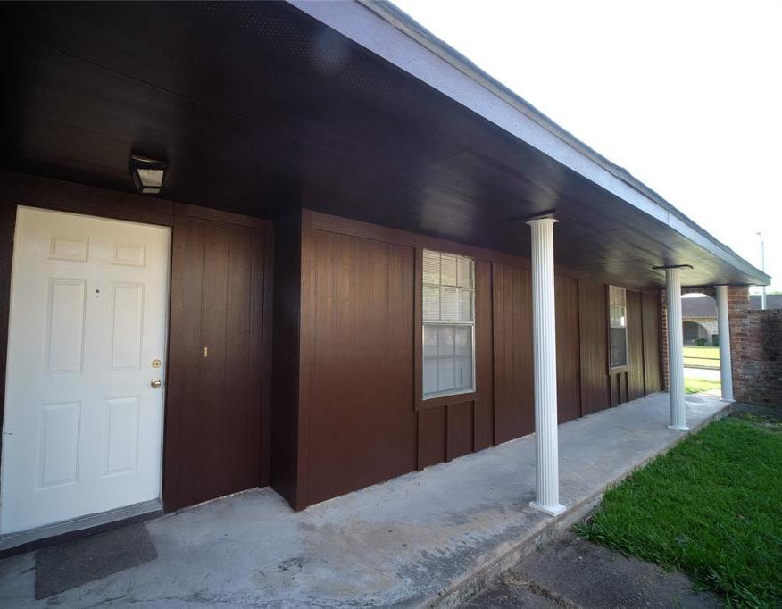 Active | 10506 Huntington Way Drive Houston, Texas 77099 3