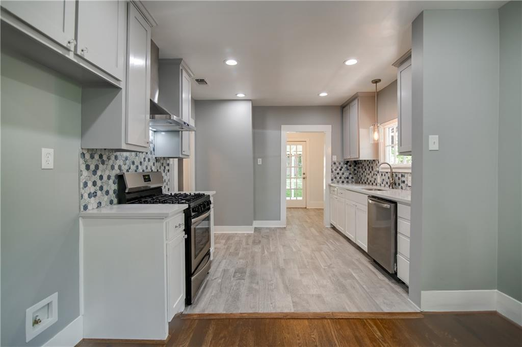 Pending | 1720 Belle Place Fort Worth, TX 76107 11