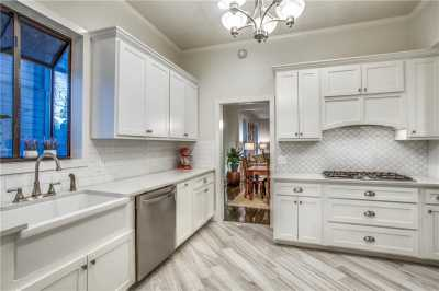 Sold Property | 819 Woodlawn Avenue Dallas, Texas 75208 9