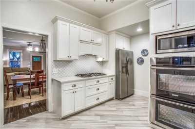 Sold Property | 819 Woodlawn Avenue Dallas, Texas 75208 10