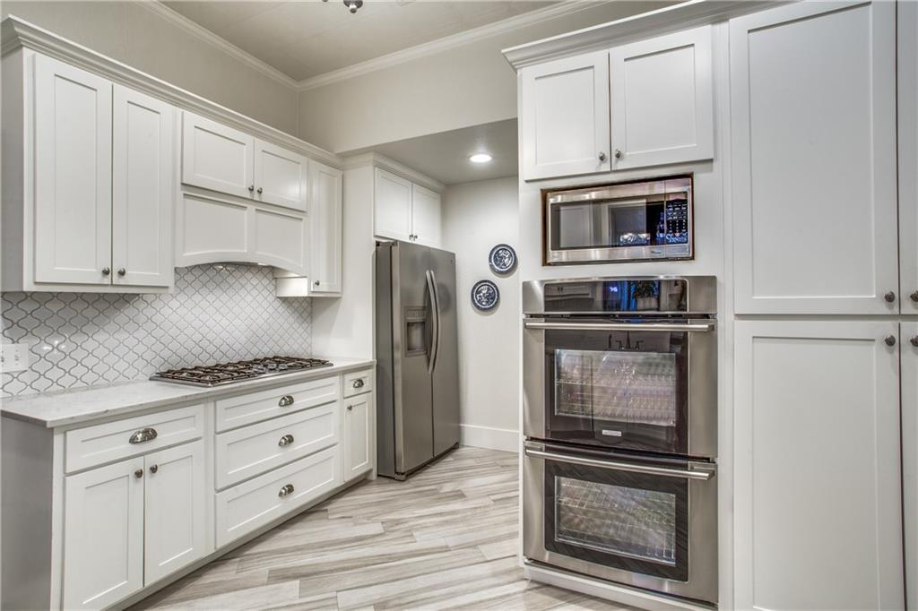 Sold Property | 819 Woodlawn Avenue Dallas, Texas 75208 11
