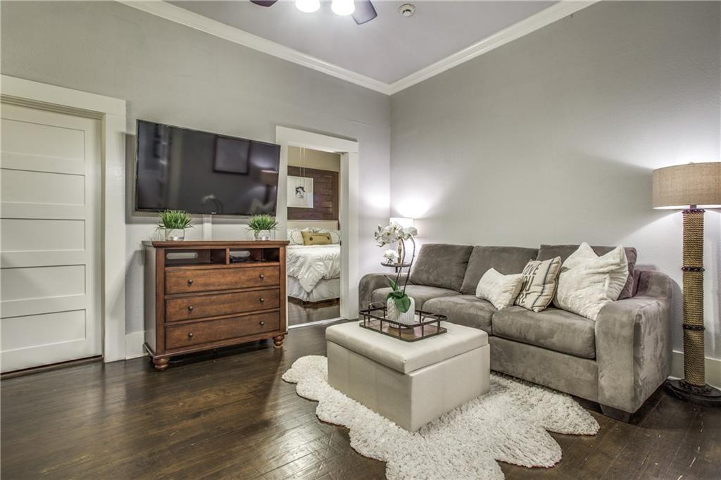 Sold Property | 819 Woodlawn Avenue Dallas, Texas 75208 16