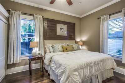 Sold Property | 819 Woodlawn Avenue Dallas, Texas 75208 17