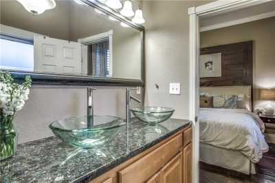 Sold Property | 819 Woodlawn Avenue Dallas, Texas 75208 18