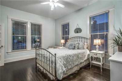 Sold Property | 819 Woodlawn Avenue Dallas, Texas 75208 20