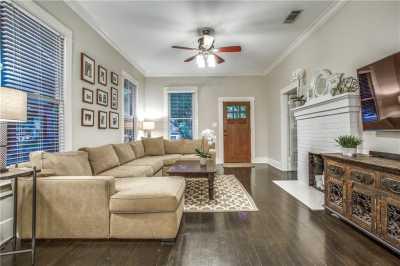 Sold Property | 819 Woodlawn Avenue Dallas, Texas 75208 5