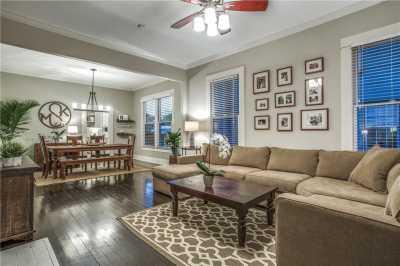 Sold Property | 819 Woodlawn Avenue Dallas, Texas 75208 6
