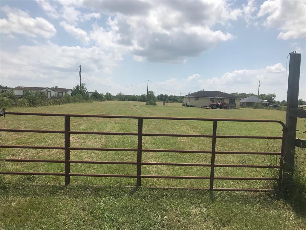 Active | 7853 County Road 605  Dayton, TX 77535 9