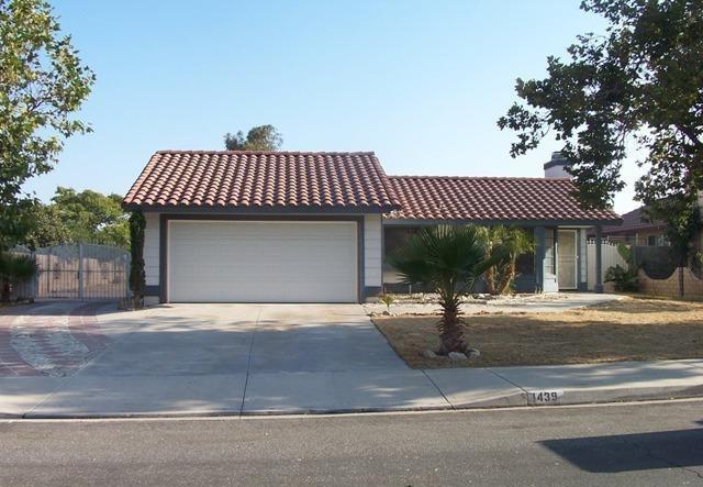 Closed | 1439 W Persimmon Street Rialto, CA 92377 0