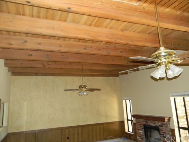 Closed   27496 White Fir Drive Lake Arrowhead, CA 92352 8